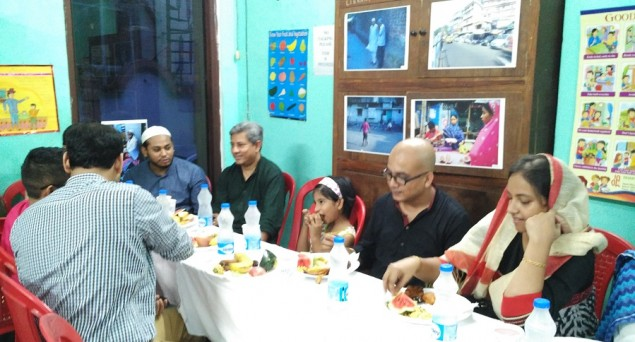 In time of communal frenzy, non-Muslims invited over Iftar of friendship in Kolkata