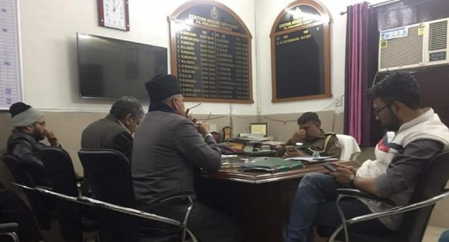 Muslim Leaders Rush to Meet Delhi Police Chief, Hundreds Throng to Chief Minister's Residence