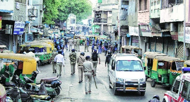 Ahmedabad Violence:  Police fires 71 Teargas Shells, Pregnant Woman Beaten Up, One-and-A Half Year Old Kid Thrown Away by Cops, 27 People Arrested