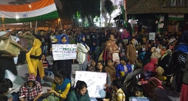 Delhi Violence: Police Forcibly Removes Khureji Protesters, Security Beefed Up at Shaheen Bagh