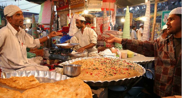 Ramadan in Old Delhi: A carnival of feasting and shopping